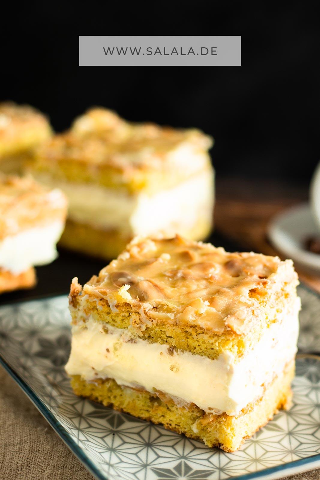 Nach 30 Tage Süßabstinenz gibts bei uns endlich wieder Kuchen. Geburtstagskuchen oder auch Raus aus der Keto Challenge Kuchen. Und es sind Schnittchen geworden. So ähnlich wie Bienenstich. Aber nur ähnlich, weil sind Mandel-Mascarpone-Schnitten. Ohne Zucker, aber mit Erythrit und Stevia. Voll Keto also und demnach auch Low Carb. #ketokuchen #mandelschnitten #mascarponeschnitten #mascarponemandelkuchen #lowcarbkuchen #glutenfreierkuchen #bisquitohnemehl #kuchenohnemehl