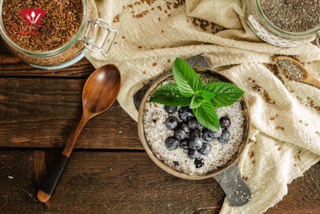 Keto Porridge aus Leinsamen – Low Carb Frühstück