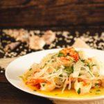 Shileo Pasta geht auch als Spaghetti und Garnelen. Zusammen mit etwas Knoblauch und Petersilie hast du eine tolle Low Carb Garnelenpfanne. Perfekt für den Sommer, weil schmeckt nach Urlaub und Meer. Mach das Rezept nach und sag uns wie's dir geschmeckt hat. #Garnelenpfanne #LowCarbSpaghetti #Konjaknudeln #GarnelenUndKnoblauch #GarnelenSpaghetti #LowCarbRezepte