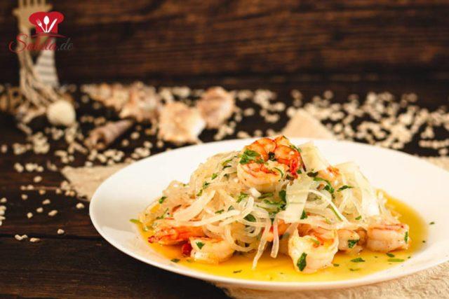 Knoblauch-Garnelenpfanne mit Konjakspaghetti