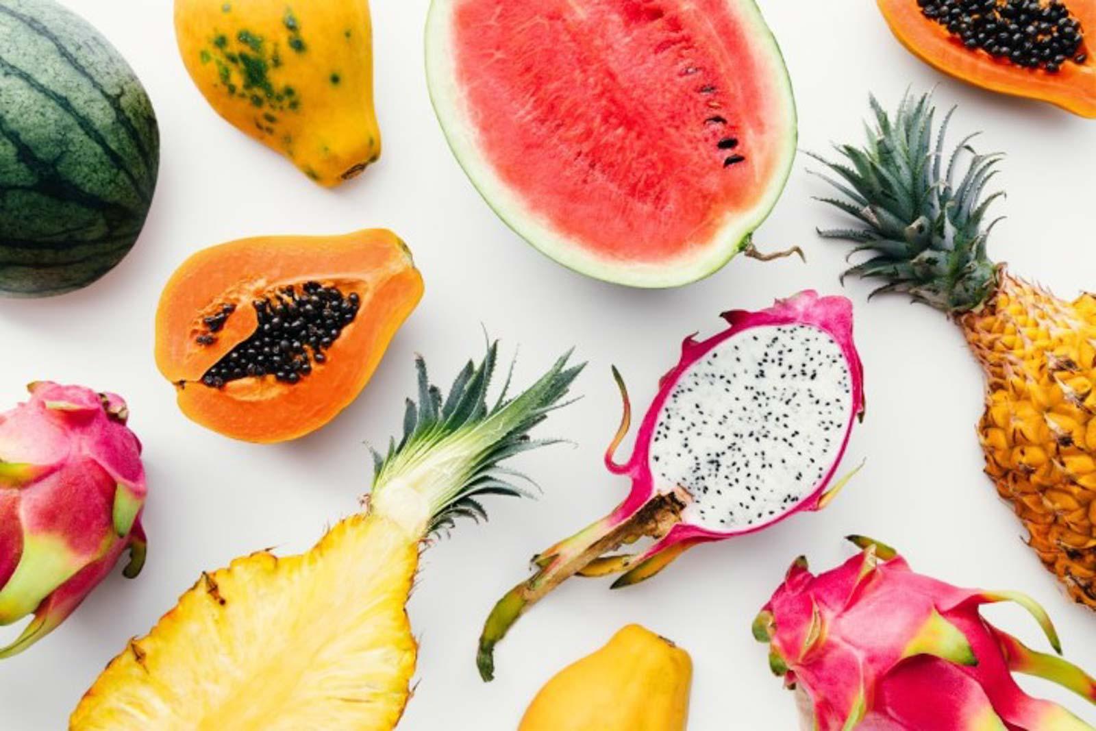 Exotische Früchte wie Papaya, Drachenfrucht, Mango, Ananas und Melone haben zu viele Zucker für die ketogene Diät
