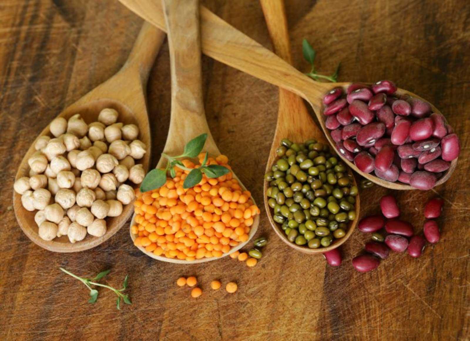 Verschiedene Hülsenfrüchte die nicht für die ketogene Ernährung geeignet sind.