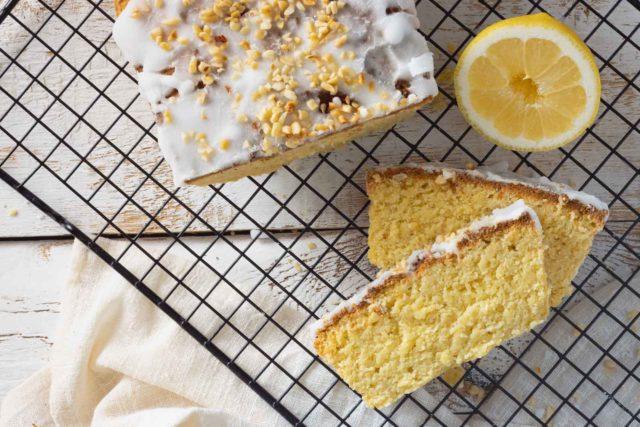 Zitronenkuchen ohne Mehl und Zucker